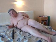 Abuela gorda es puta su arranque con Consolador