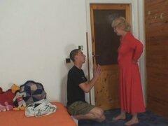 Mamá-en-ley en le y esposa viene en