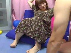 Yui Aihara - cepillo de dientes pezón juego lindo Preggo japonés, cepillo de dientes en sus sensibles pezones!