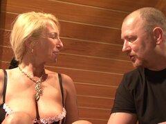 Madura alemana amateur se divierten haciendo escenas porno hardcore