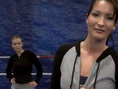 Combate de lucha libre se convierte en aventura lesbiana lusty