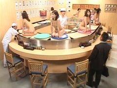 Buffet de Sushi giratorio de Bukkake. Buffet de Sushi giratorio de Bukkake