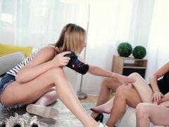 Caja de lesbianas tetona lamida. Caja de lesbianas tetona lamida por hijastra adolescente cachonda
