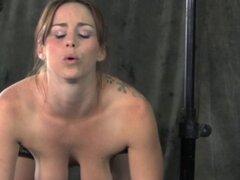 Analmente enganchado sub manejo masivo dildo anal. Analmente enganchado sub manejo masivo dildo anal como ella trata de agradar a su ama