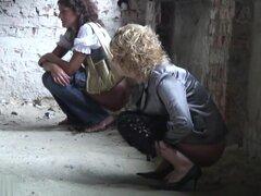 Chicas meando a voyeur video 300,
