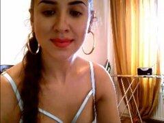 Sexy latina Playgirl cubre su botín, una chica latina sexy es chateando por su webcam con un rizado tipo y después pelar y exponer ese delicioso cuerpo comienza jugando con un consolador grande dentro su butthole apretado mientras gritaba de placer.