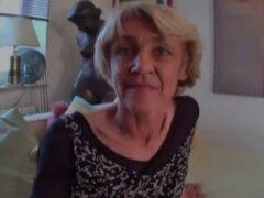 Abuela loca polla quiere una buena puta!