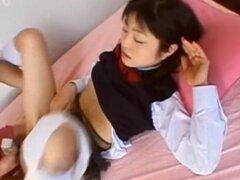 Mamada y sexo con japonesa puta