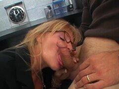 vieja abuela follando a chico joven