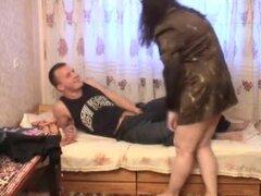 Mujer rusa madura y joven,