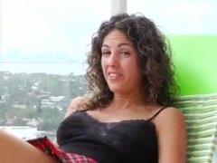 Breasty Latina cachonda Mama,
