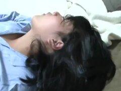 En mi sextape casera, soy masturbaciones mi arrancada en esta amateur masturbandose video, soy visto follando mi Castor peludo con un juguete, antes de aspirar dong de mi novio.