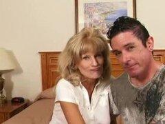 Abuelita americano Cam follan duro en una habitación de hotel