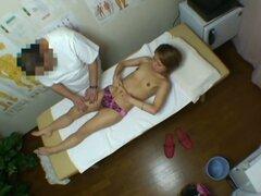 Médica cam oculta vídeo protagonizado por una asiática fresca usar bragas rosa