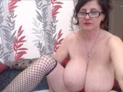 Madura Con Increíbles Tetas Grandes En La Webcam. Amateur Madura Con Increíbles Tetas Grandes En La Webcam