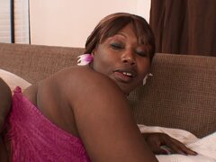 Booty enorme gorda negra chica rebota como ella toma doggystyle - Decollecter