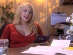 CALIENTE follar A 123 hermosa Secretaria rubia en la oficina