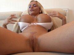 Hermosa puta porno Jordan Pryce jugando consigo misma