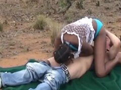 Las mujeres africanas 2 toman a una gran polla blanca