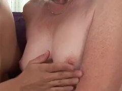 Seductora porno con abuela viejo