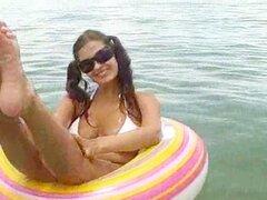 Amatuer flotando hacia el mar...