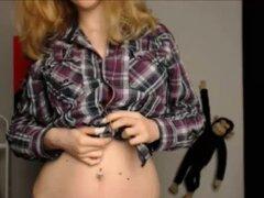 Teen de tetas grandes rubia pelando en webcam. Adolescente de tetas grandes amateur rubia pelando en webcam