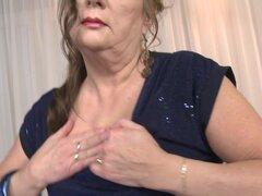 Abuela peluda obtiene sexo tabú con joven