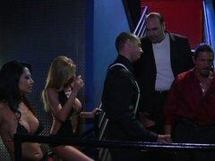 Lexi Lamour, Gianna Lynn, Nikki Rhodes y Alexa Jordan consigue follada por la mafia italiana