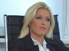 Valerie se lame el jefe apretado coño de su secretaria