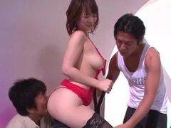 Arisa Araki, tetonas asiaticas, bombeado en áspero