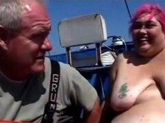 Plumper salvavidas consigue follada en el barco BBW grasa bbbw sbbw bbws bbw porno plumper corridas suaves corridas gordita