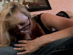Señora madura cachonda piernas Haz penetrado profundamente de propagación