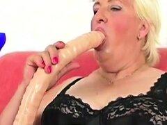 Abuela gorda follada por Stud