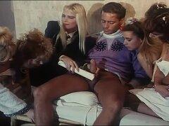 Barbarella y Cicciolina teniendo sexo salvaje en video retro hot - A Barbarella, Cicciolina, Rocco Siffredi