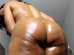 Lanie Booty Clapping and Oil,