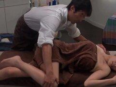 Salón de masajes de aceite japonesa,