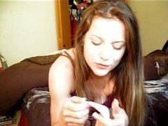 Dirty panty 1, muy hermosa y caliente chica lamer sus bragas sucias