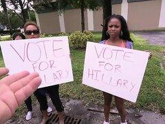 Thight botín de ébano Amilian Kush se la follan por Hillary