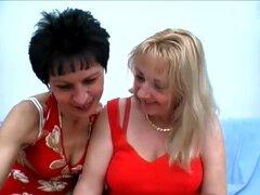 HardcoreMatures Video: Eva y Eva, esta escena cuenta con un salvaje trío maduro con un guapo semental satisfacer con dos zorras polla hambreado en su primer llamado Eva y Eva. Eva y Eva nunca se cansan de repartiendo sus coños maduros y en esta escena est