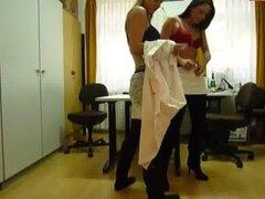 Chicas meando oficina 2