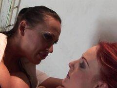Dedo de Mandy brillante Chica tetona la chica atada desnuda,