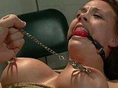 Perra es dominada forzada a tomar Dick