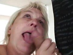 Caliente compañera de cuarto adolescente folla a abuela caliente