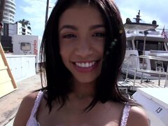 Sexy Latina Veronica Rodriguez se la follan..., amamos a las latinas y nos encanta Veronica Rodriguez! Ella es una latina poco petit, sexy y cachonda que está abajo para cualquier cosa en cualquier lugar. Así ha pasado a estar en la ciudad trabajando en u
